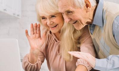 La atención a personas mayores: 4 maneras mantenerse feliz en pleno aislamiento
