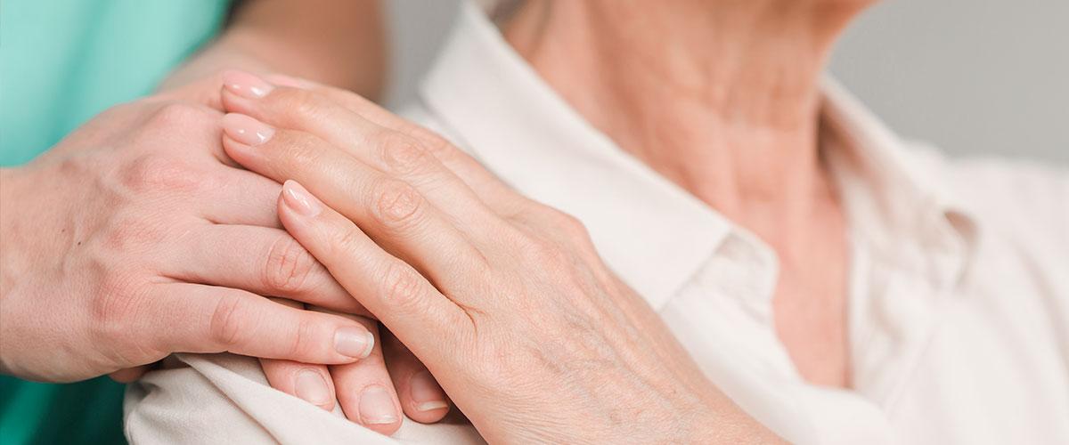 La Covid-19 dobla los contratos de cuidadoras de enfermos a domicilio