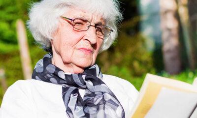¿Se necesita un justificante para cuidar personas mayores?