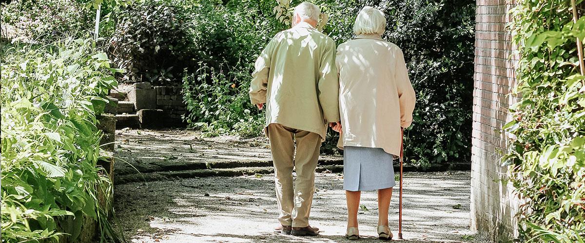 Personas mayores: salir a la calle durante el estado de alarma
