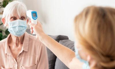 ¿A qué se dedica un auxiliar de geriatría?