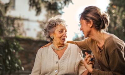 relaciones entre personas mayores y jóvenes